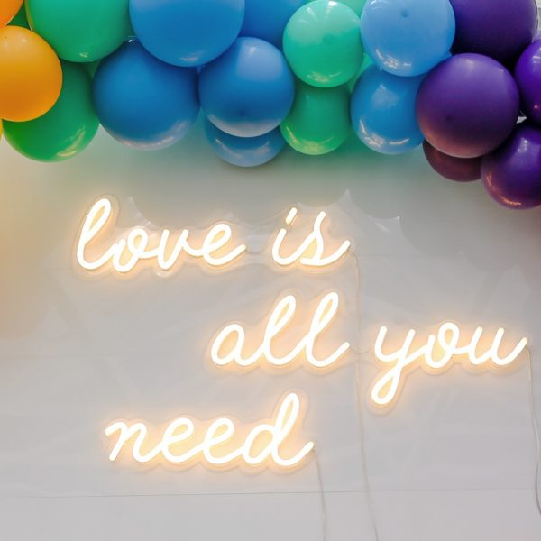 love+is+all+you+need+-+neonsign+-30